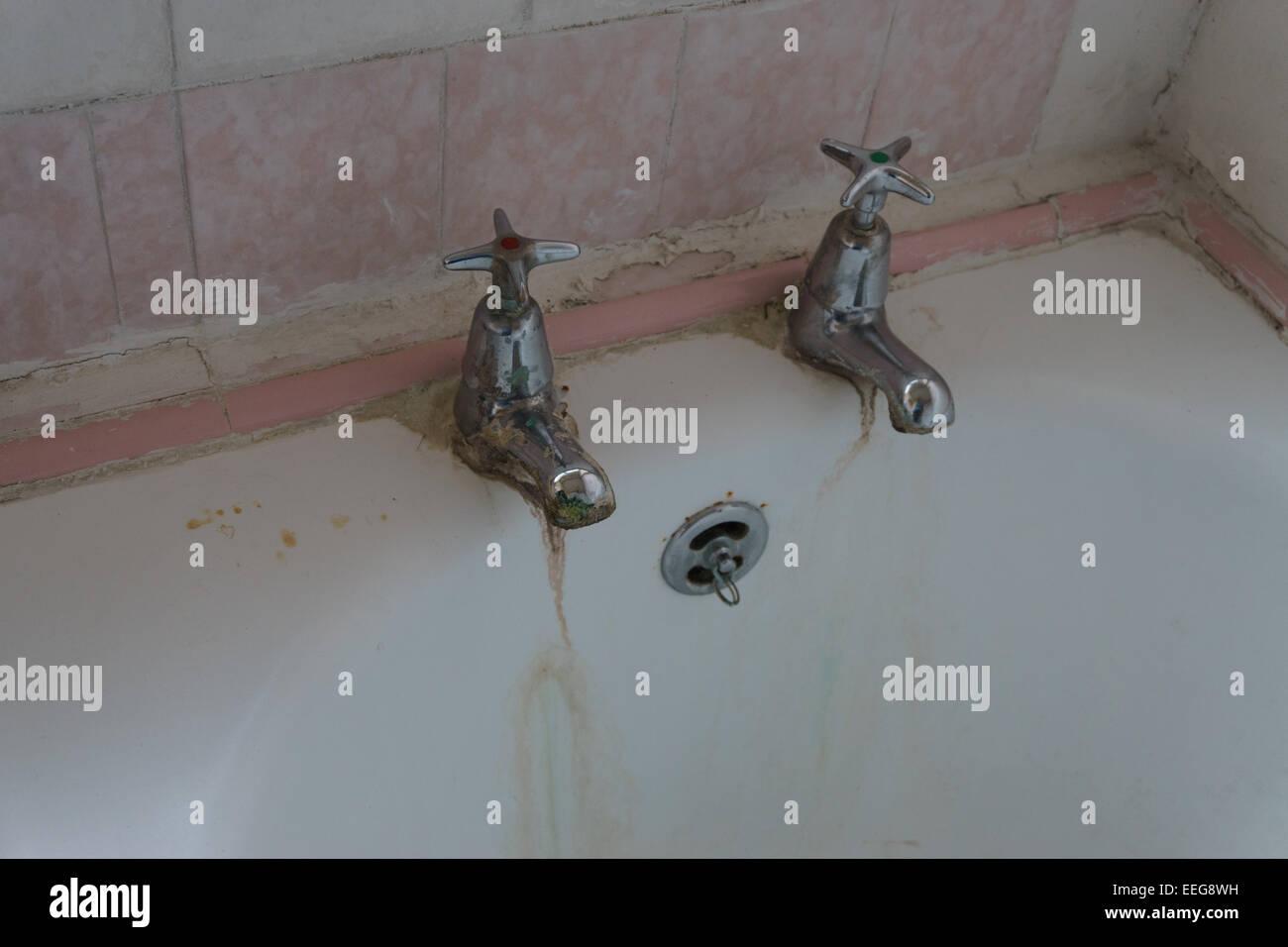 Bath Vasca Da Bagno In Inglese : Bath taps immagini & bath taps fotos stock alamy