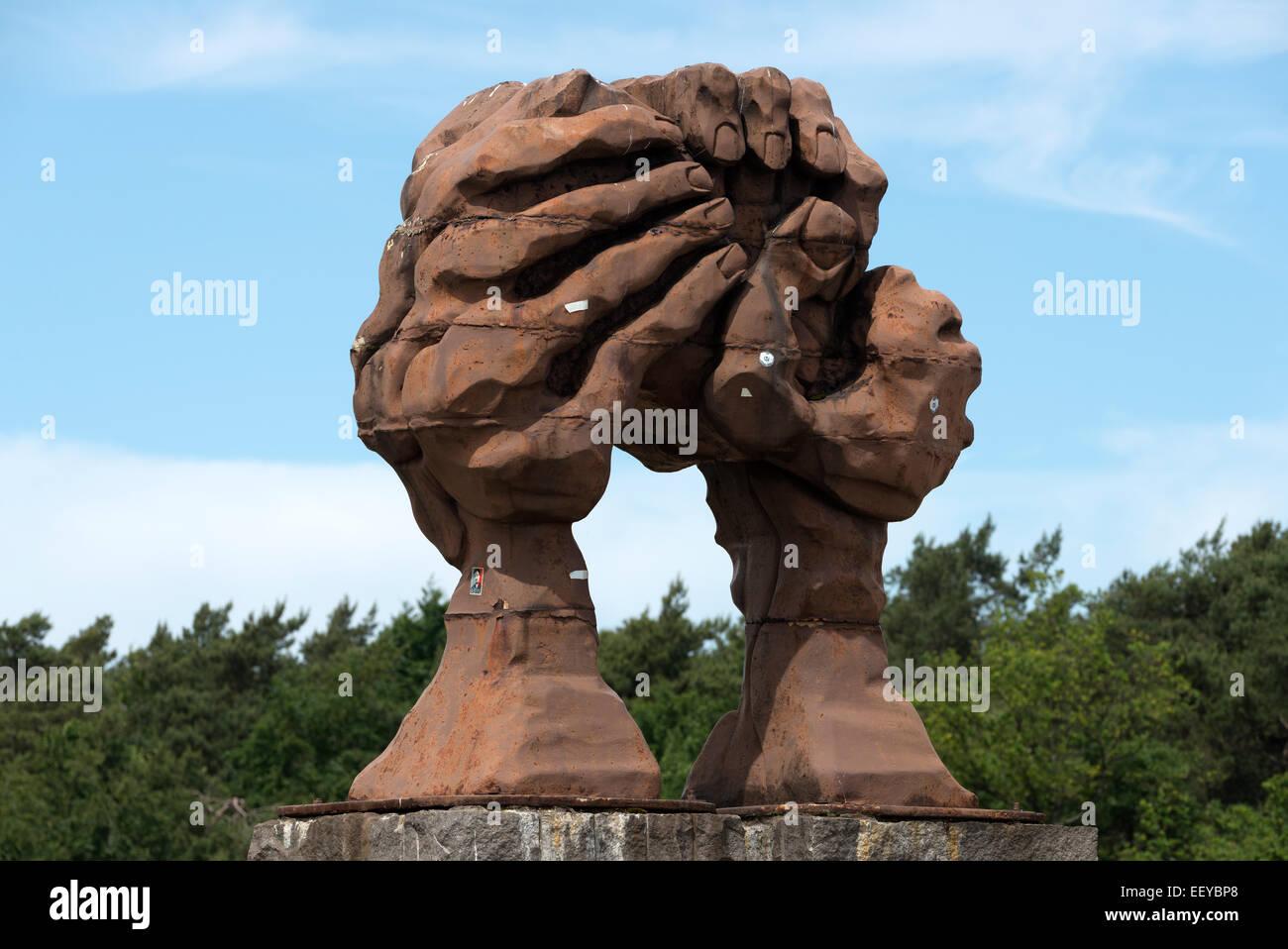 Helmstedt, Germania, la scultura la curvatura delle mani Immagini Stock
