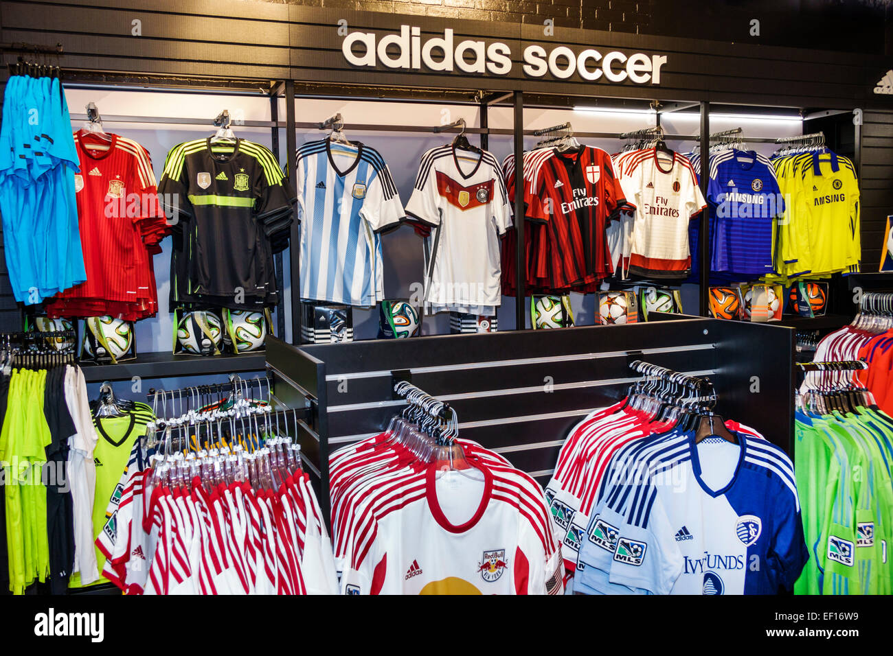 Orlando in Florida Lake Buena Vista di Downtown Disney Dining shopping  divertimento United World Soccer store a56381f1bfb2