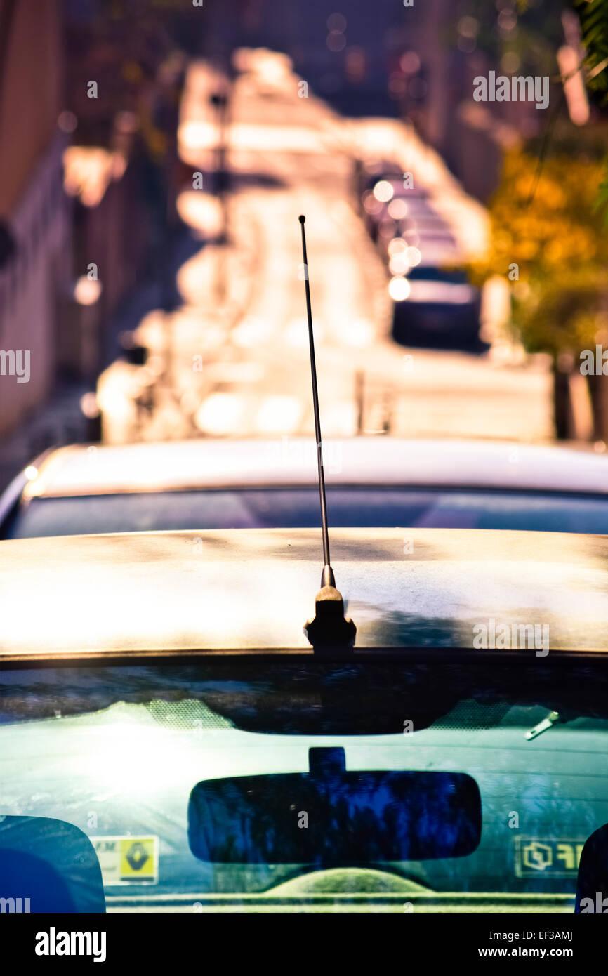 Specchietto e l'antenna, auto dettaglio. Barcellona, in Catalogna, Spagna. Immagini Stock