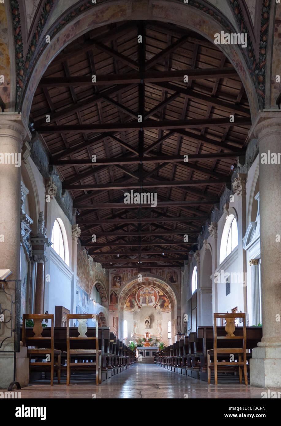 Santissima Trinità, Verona, dentro Immagini Stock