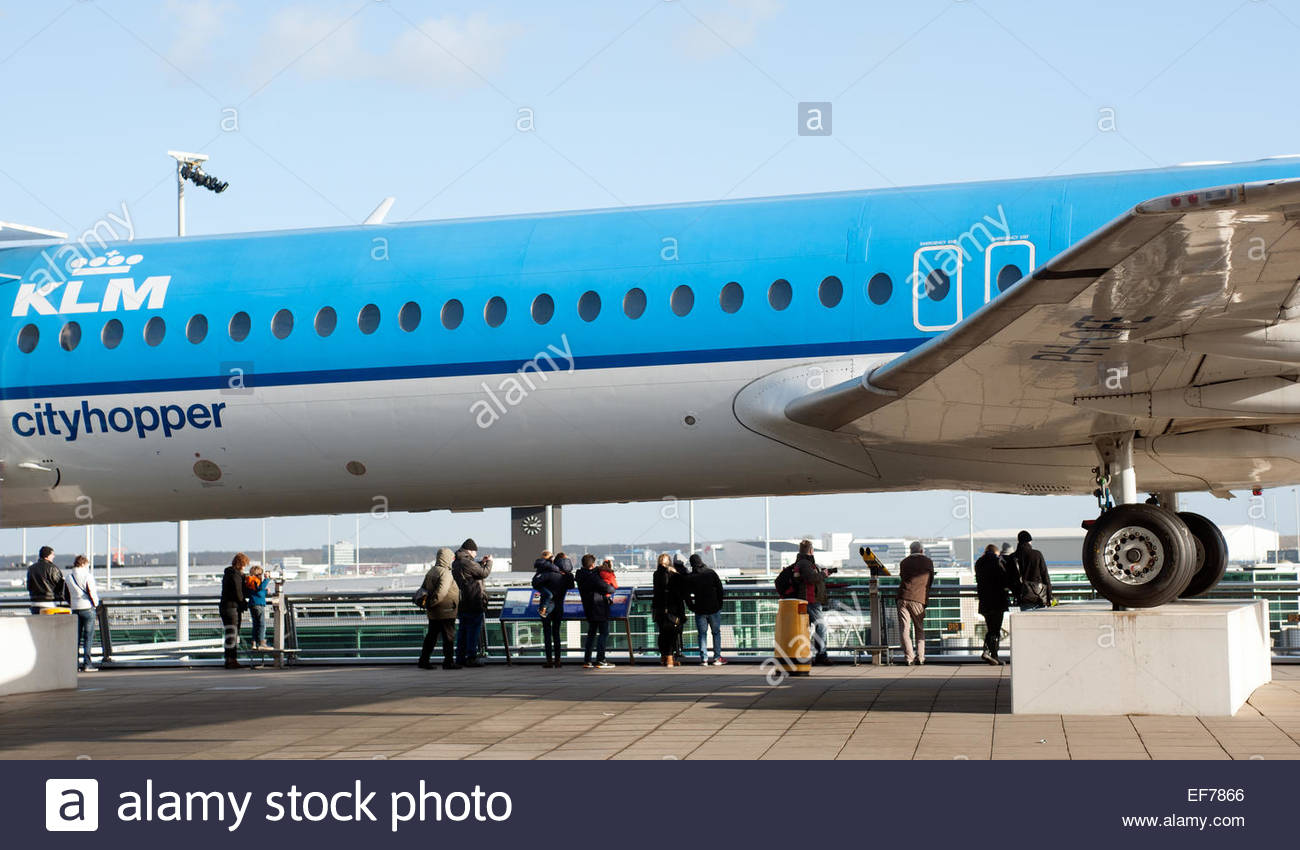 Amsterdam Schiphol I Visitatori All Aeroporto Guarda I Piani