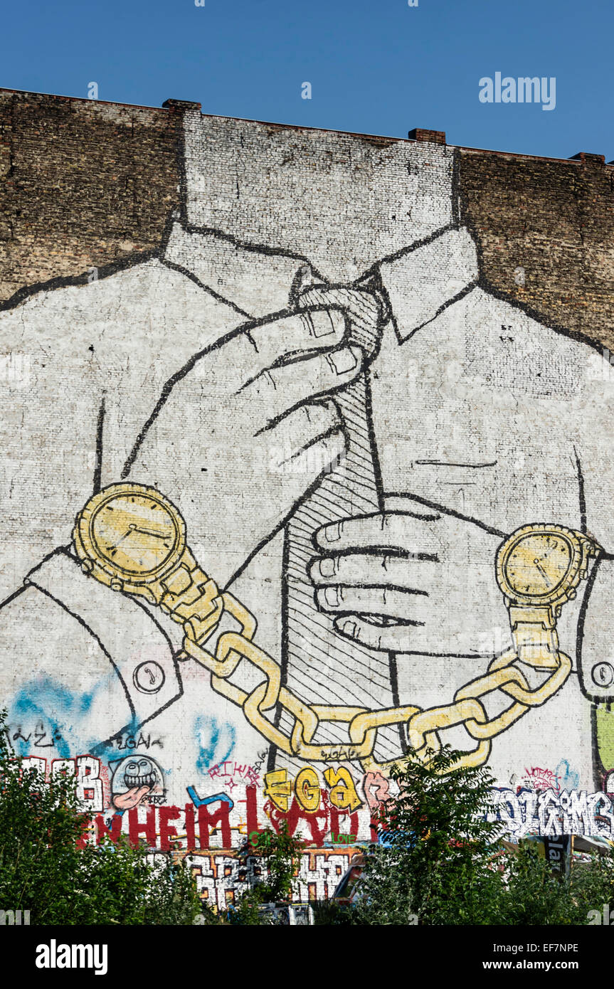 Murale su firewall in Kreuzberg dall artista italiano Blu , Berlino, Germania Immagini Stock