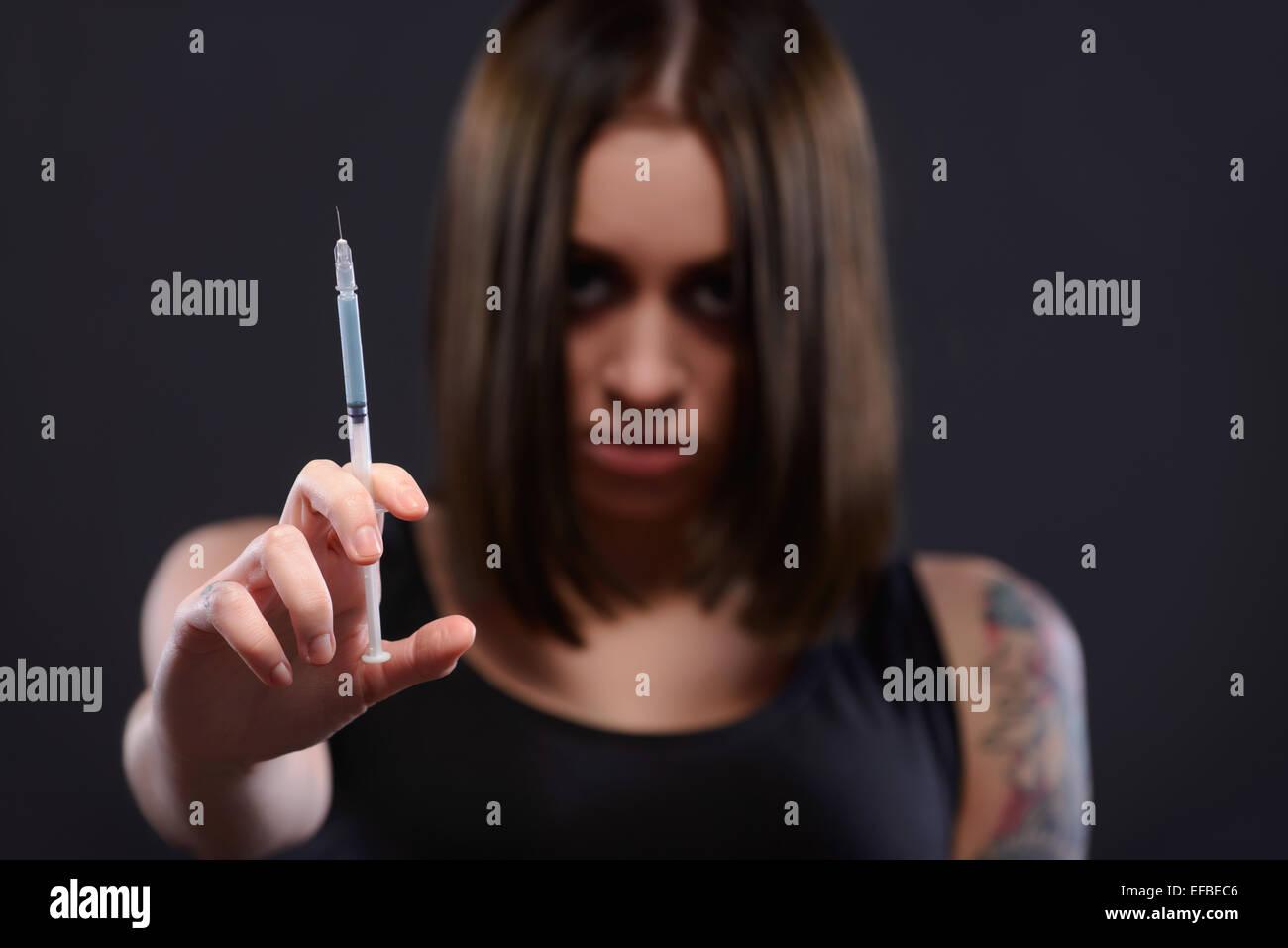 Ragazza adolescente che soffrono di tossicodipendenza Immagini Stock