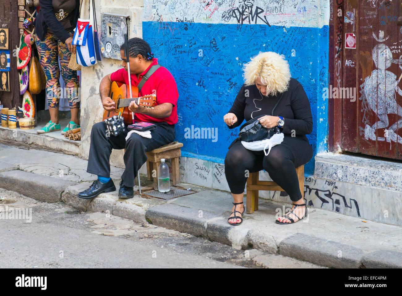 Cuba avana vecchia la habana vieja cieco su uno sgabello mendica