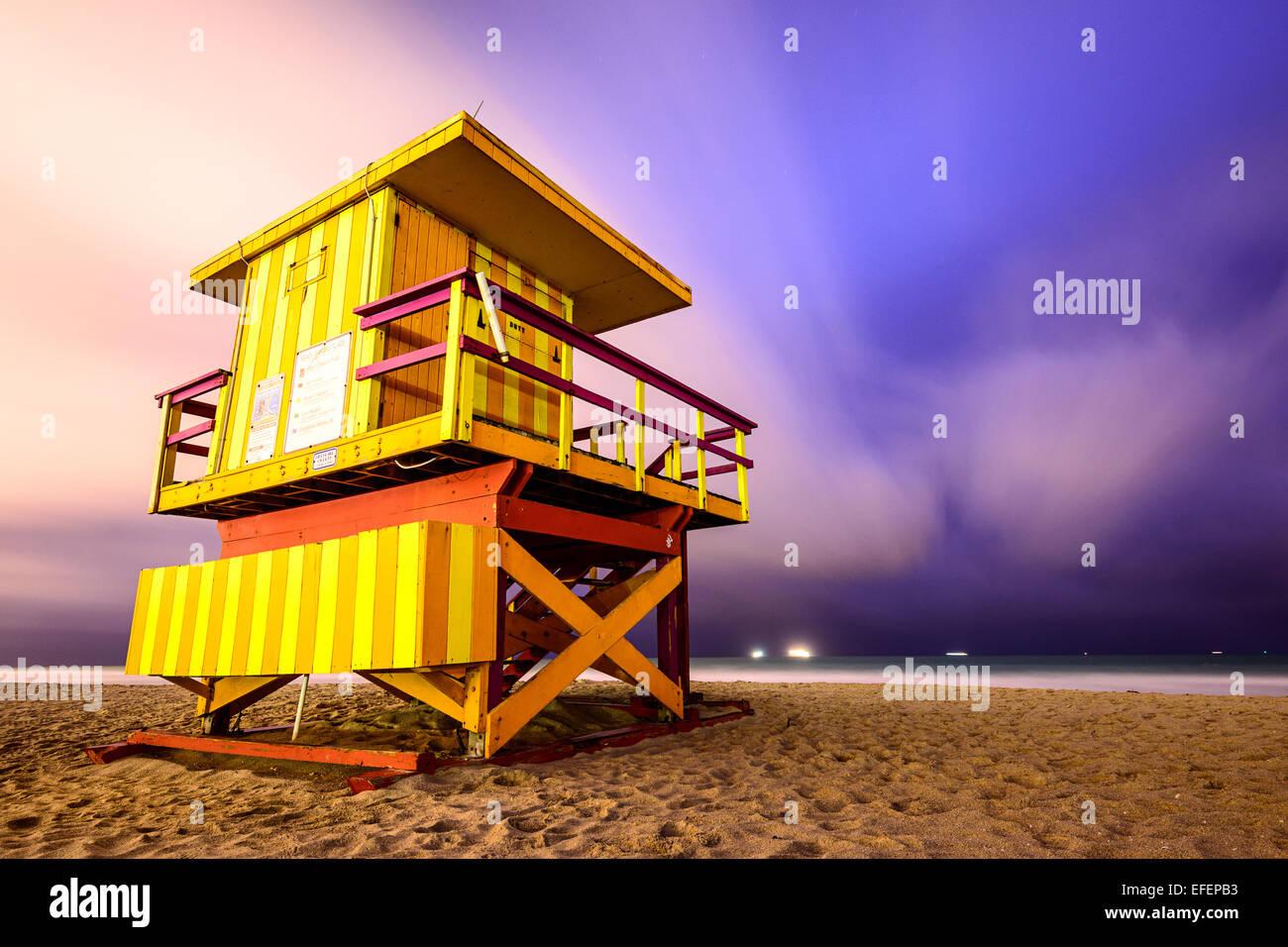 Torre bagnino sulla spiaggia di Miami Beach. Immagini Stock