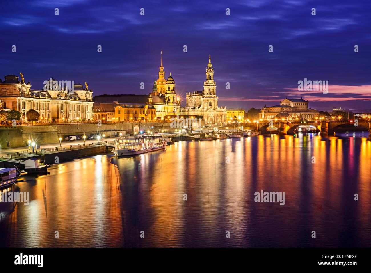 Dresden, Germania skyline del centro sul fiume Elba. Immagini Stock