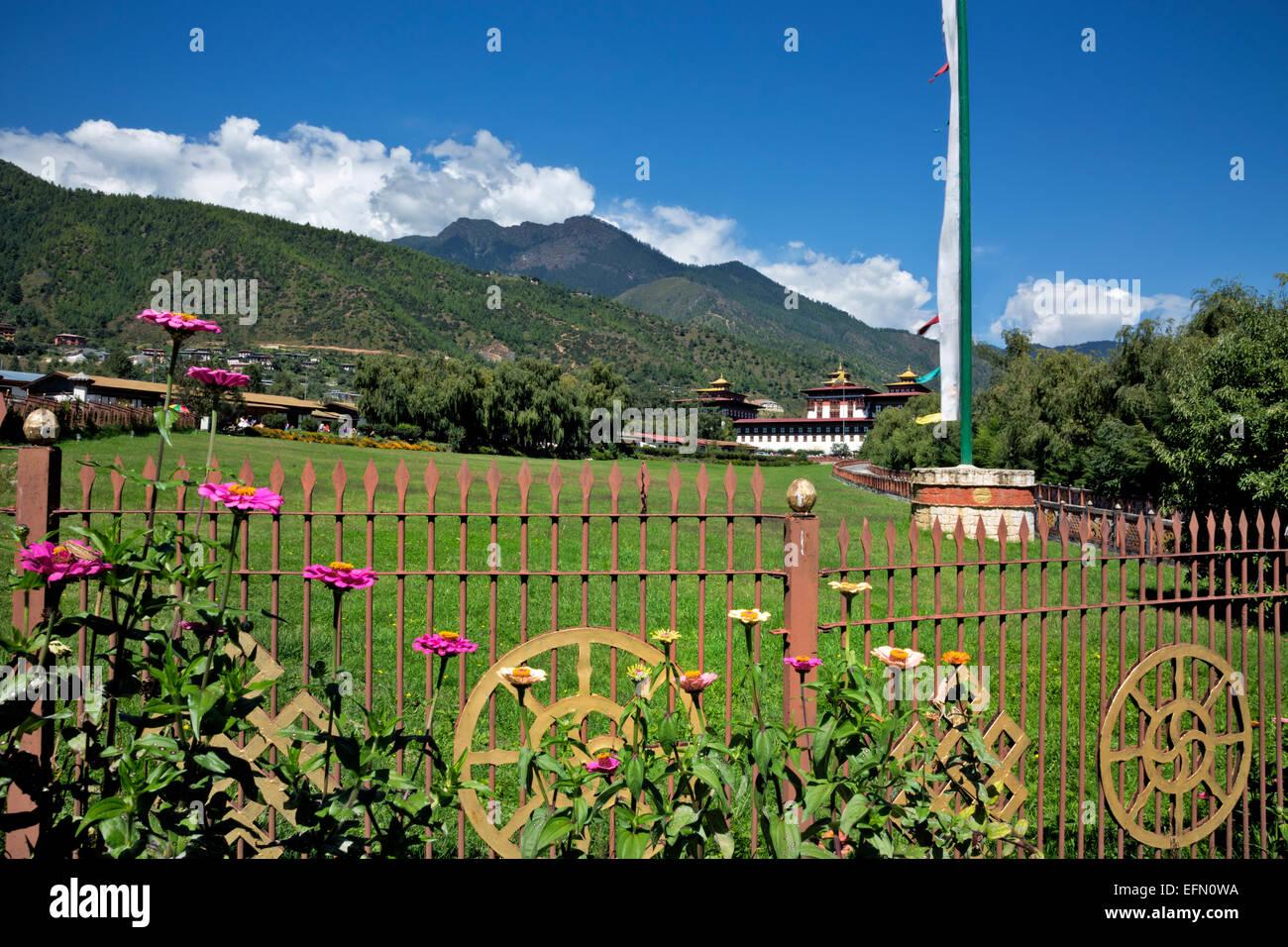 BU00049-00...BHUTAN - Il Trashi Chhoe Dzong, dei principali edifici governativi nella città capitale di Thimphu. Immagini Stock