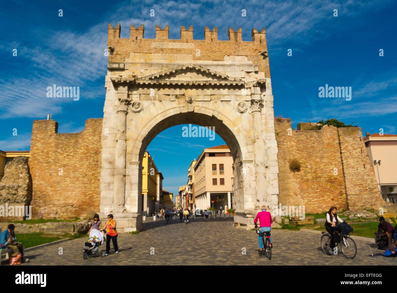 Arco di Augusto costruito anno 27, Rimini, Italia Immagini Stock
