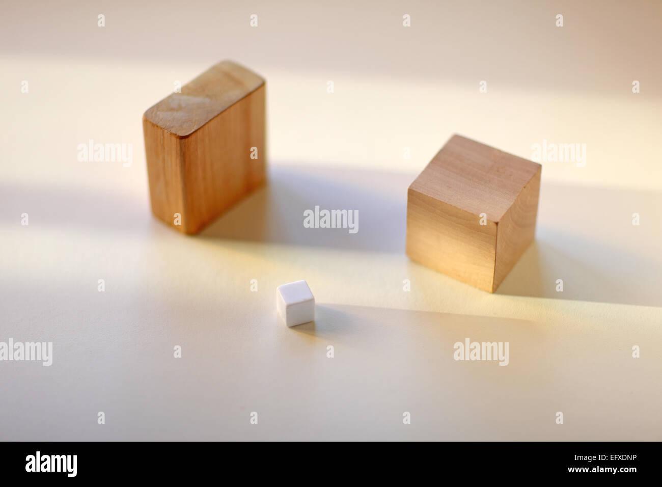 Blocchi di tre forme di legno Foto Stock