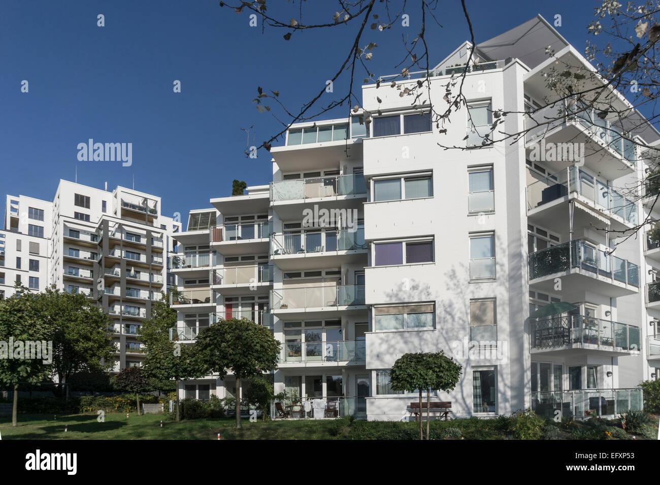 Architettura moderna, Real Estate, Rummelsburger Bucht, Berlino, Germania Immagini Stock