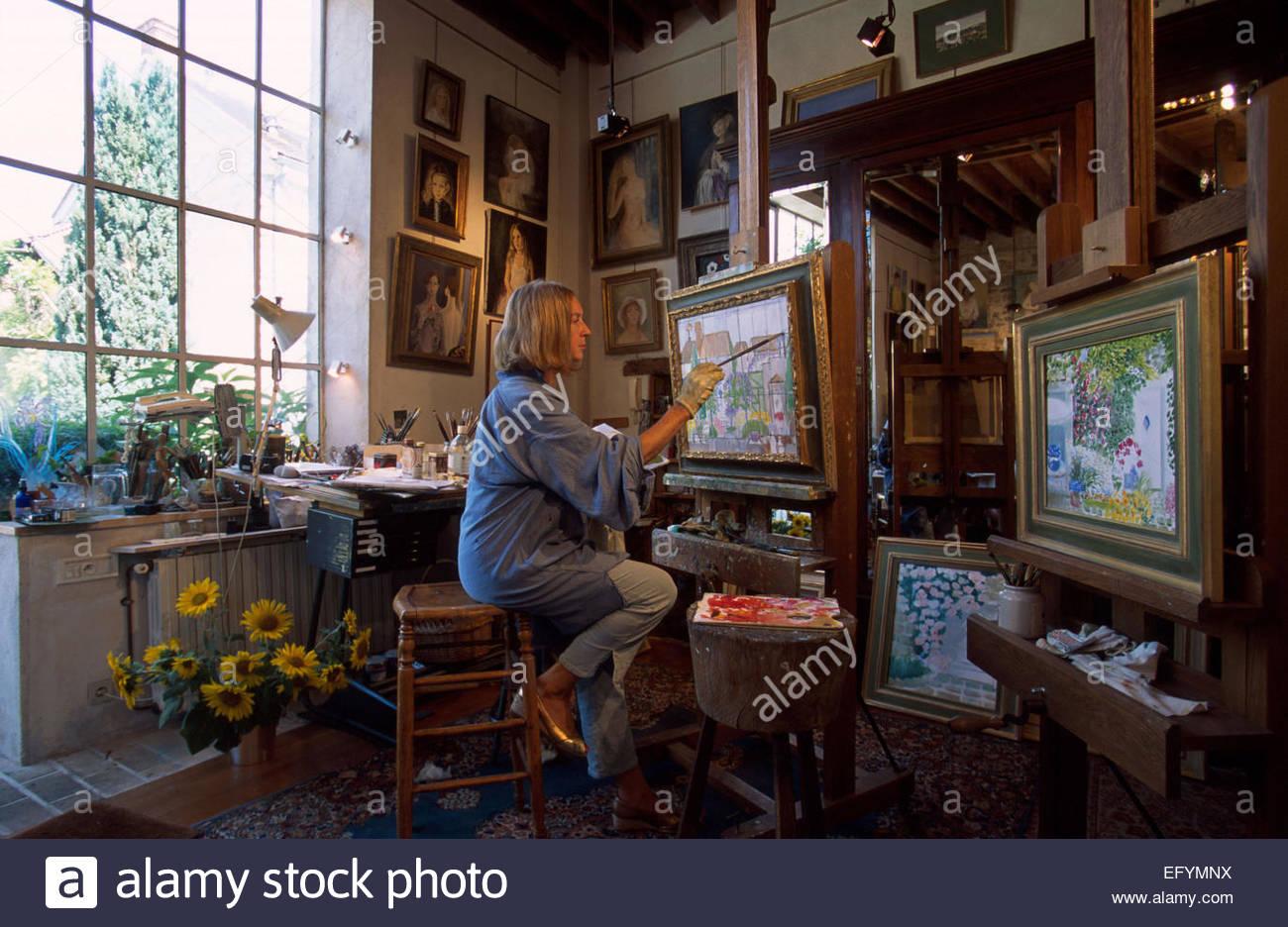 Barbizon, Seine et Marne, Erika Gage nel suo studio Immagini Stock