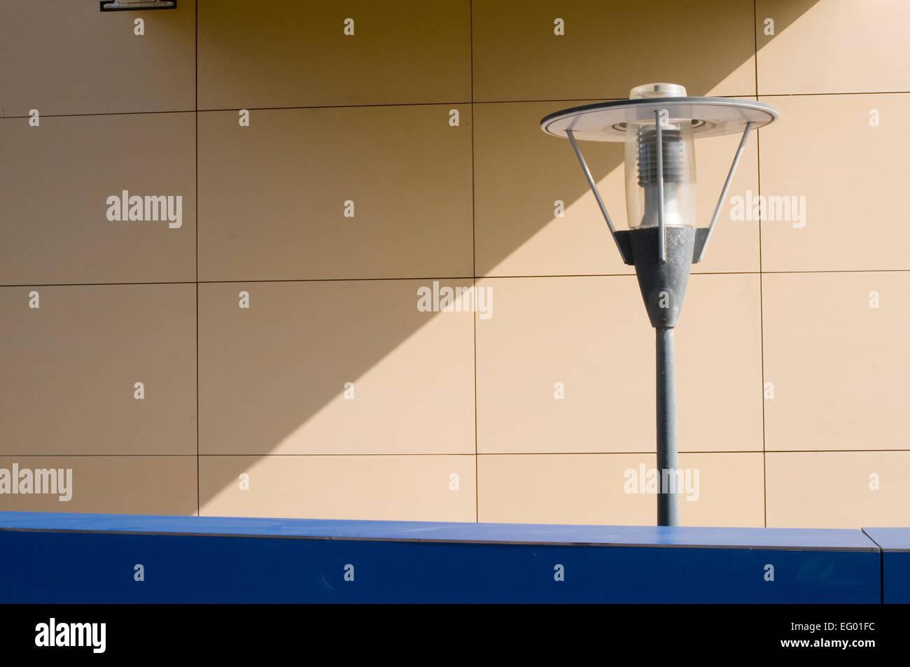 Via la luce di illuminazione mobili in stile contemporaneo moderno design progetta uplighter fino più leggero Immagini Stock
