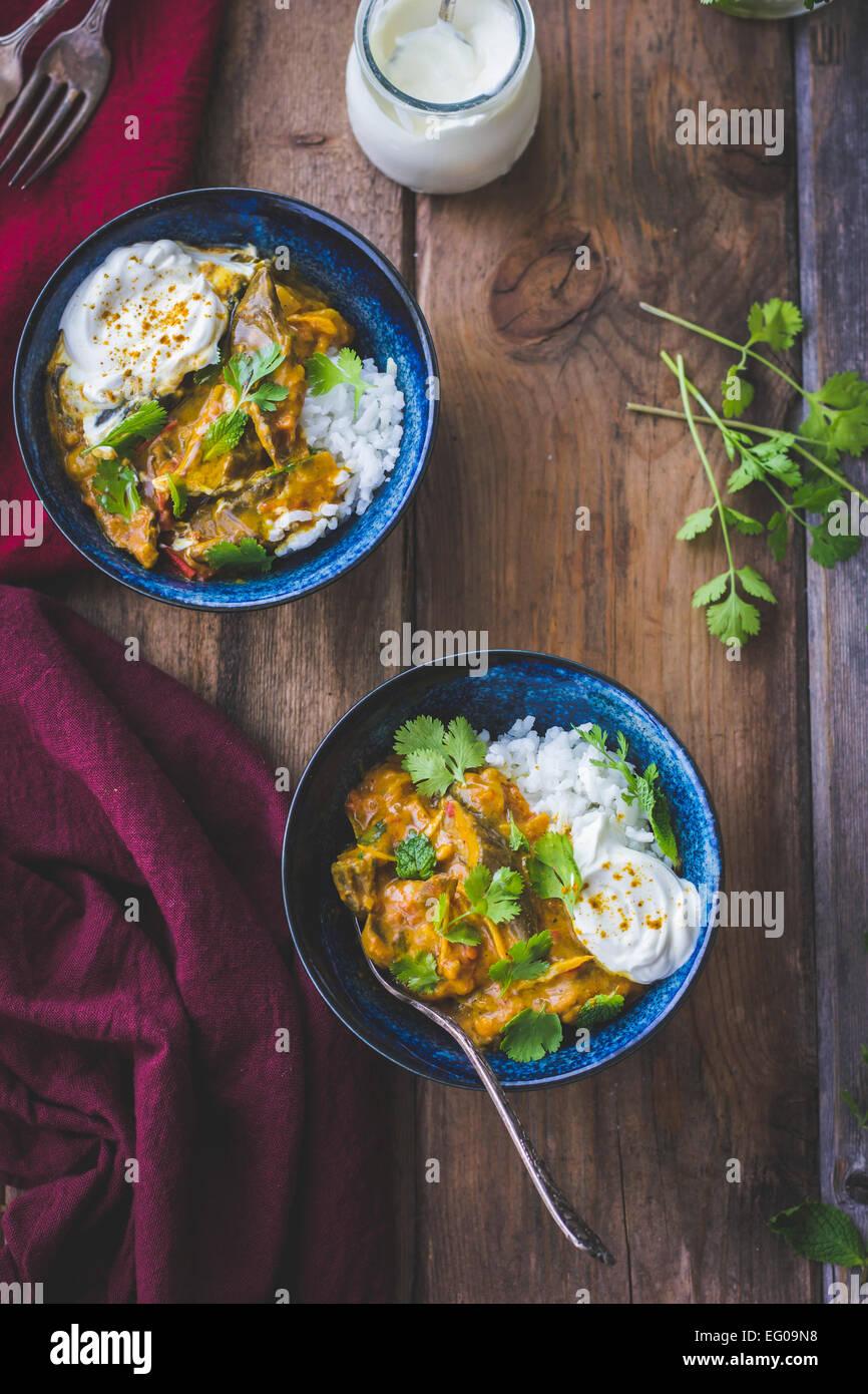 Il curry di melanzane con coriandolo Immagini Stock