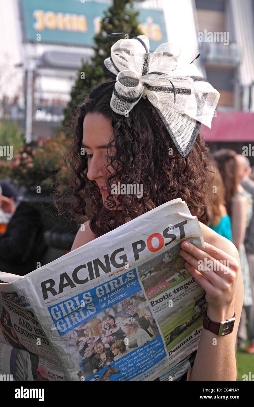 Studiare forma sul Signore giorno   grande incontro nazionale   L Aintree  Racecourse     6eeae5db0ae2