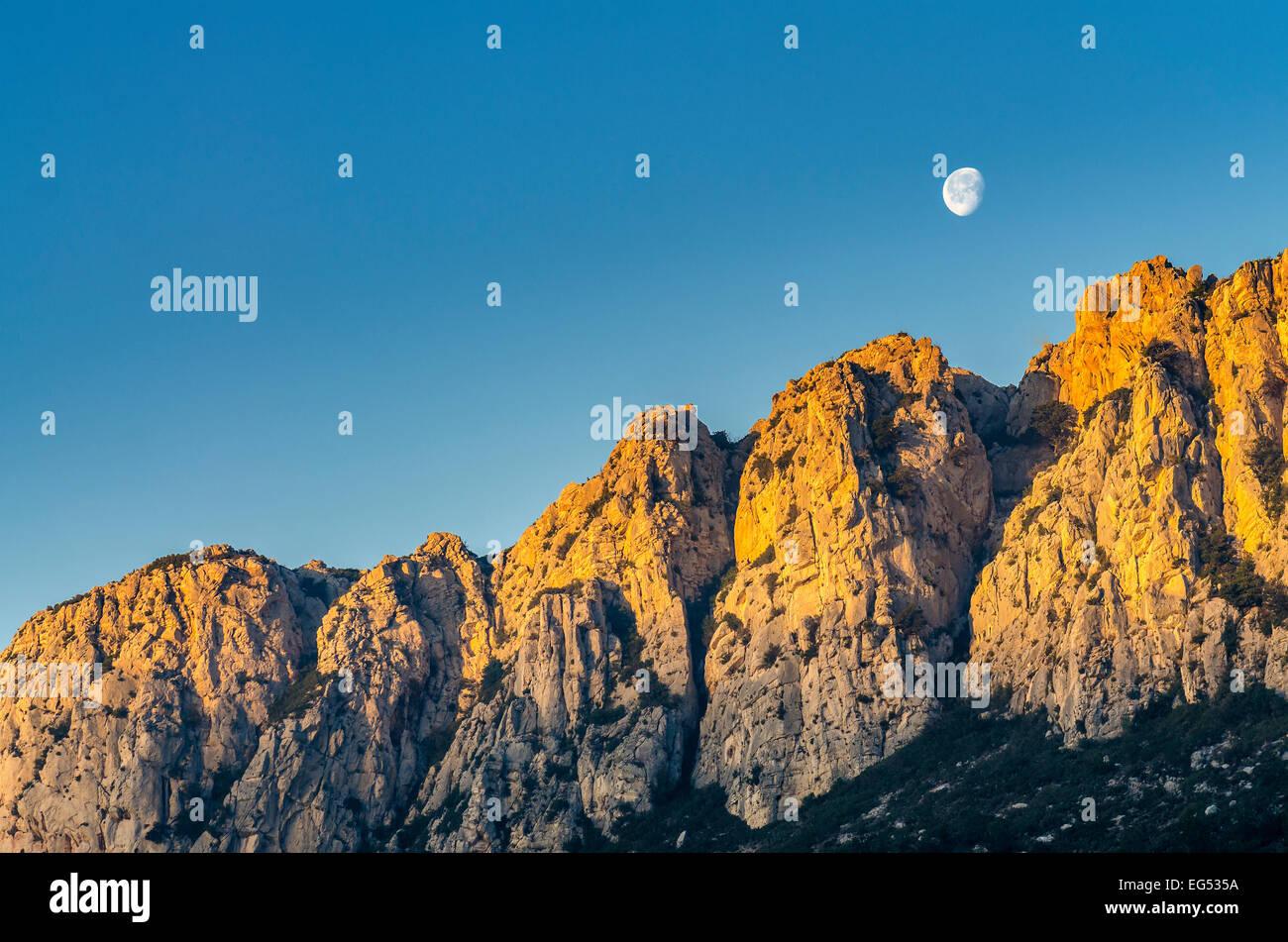 Les collines blanche Vallée de St Pons au leva du jour regione d'Aubagne 13 Francia Immagini Stock