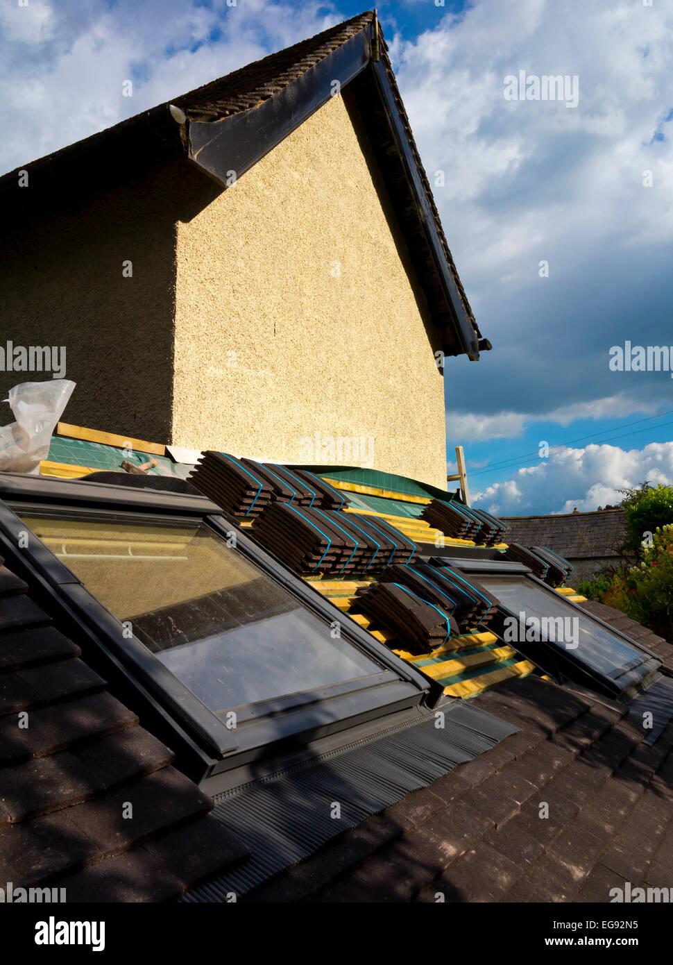 Finestra Sul Tetto Nome finestre di tetto velux immagini e fotos stock - alamy