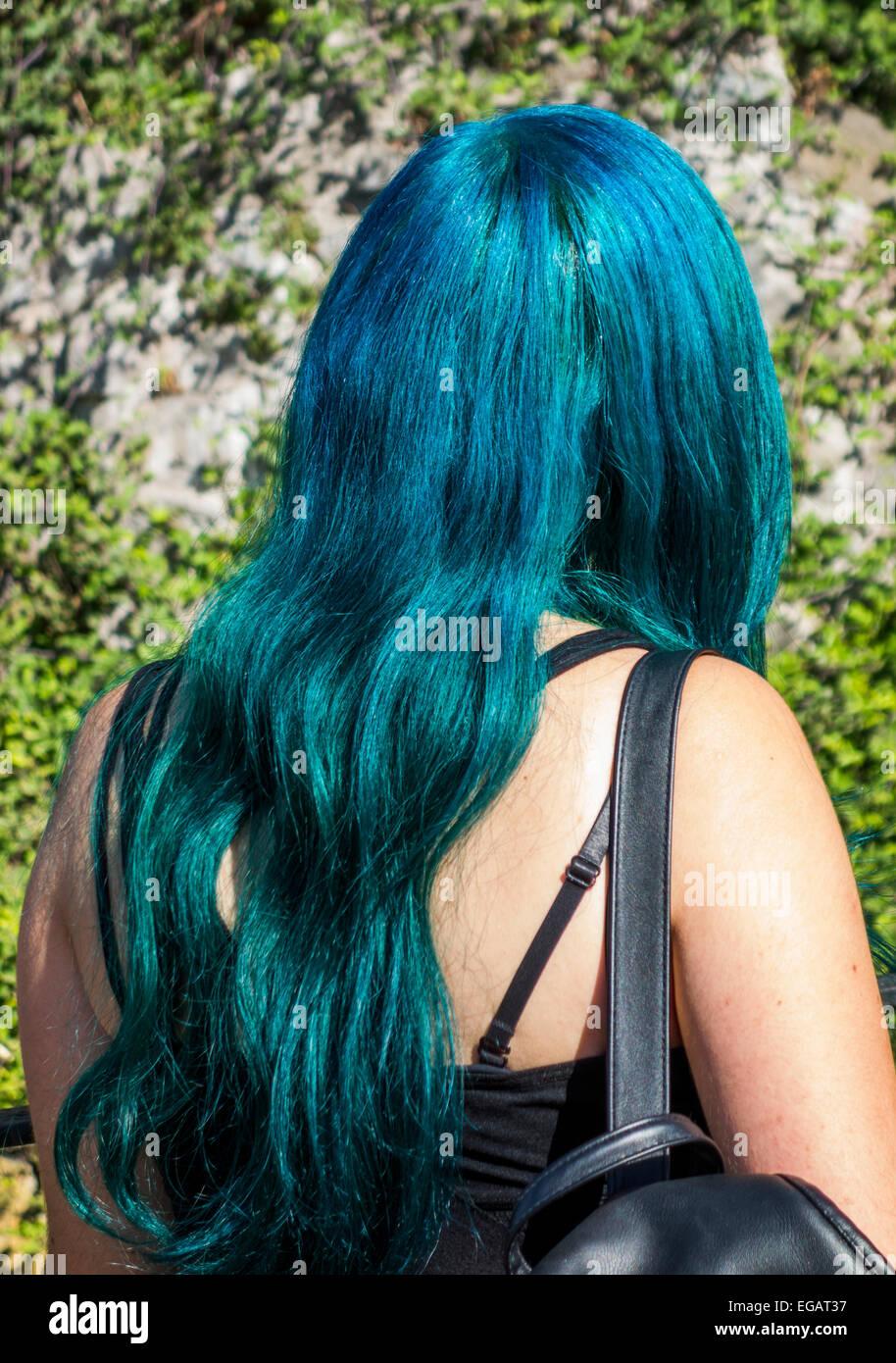 Ragazza con tinti di blu capelli, Santiago del Cile Immagini Stock