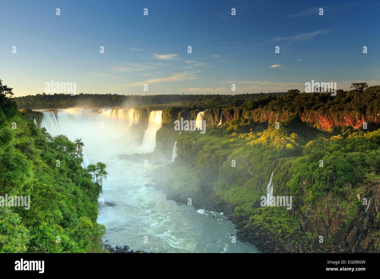Il Brasile, Parana, Iguassu Falls National Park (Cataratas do Iguacu) (Sito UNESCO) Immagini Stock