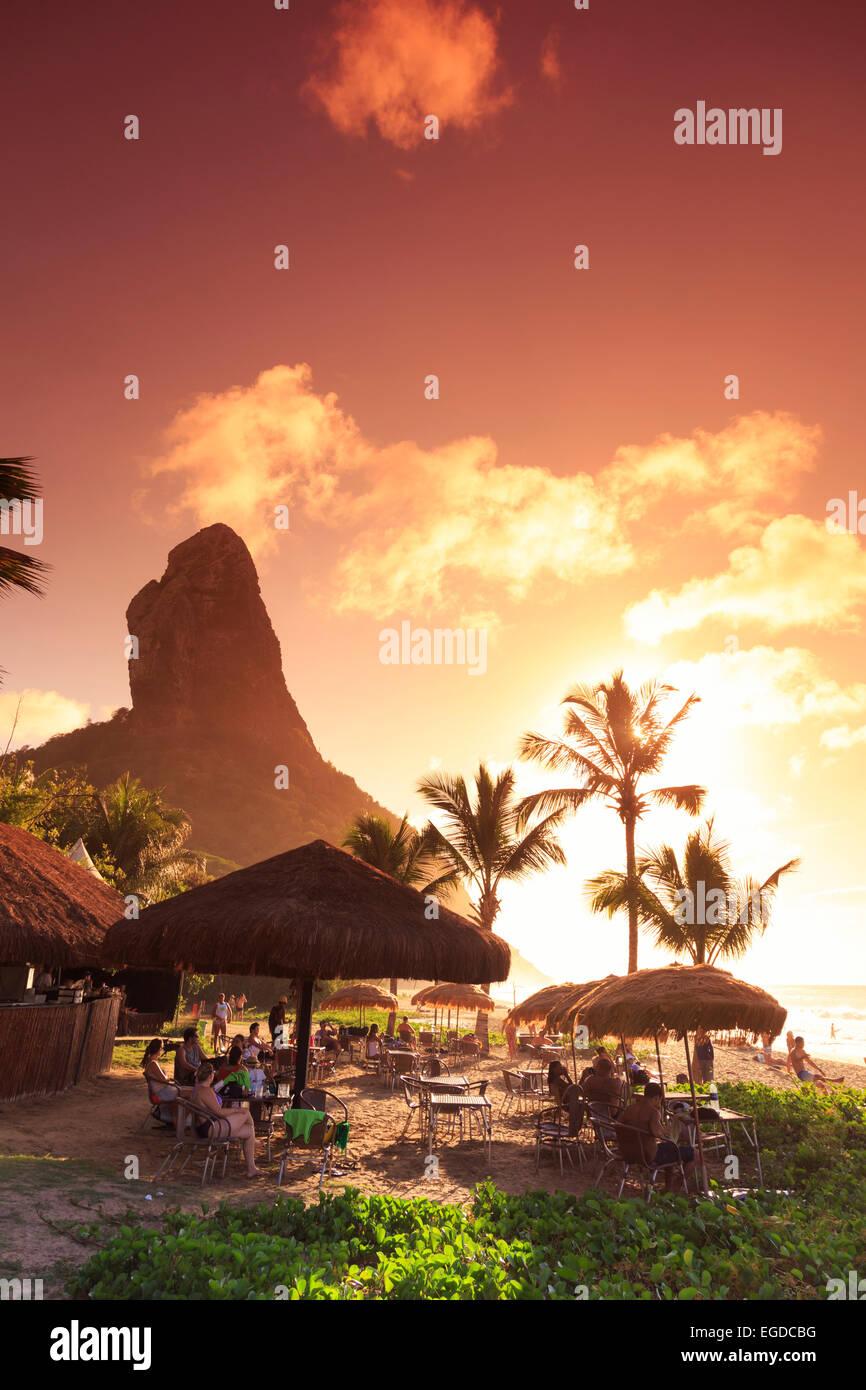 Il Brasile, Fernando de Noronha, Conceicao beach bar in spiaggia Immagini Stock