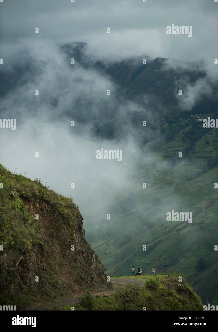Vista attraverso la valle, Sorata, Cordillera Real, Bolivia Immagini Stock