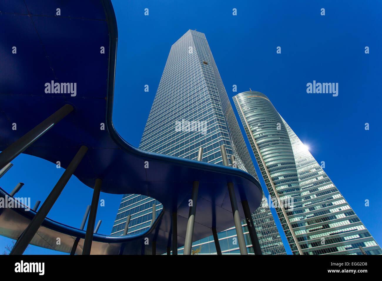 Madrid, Puerta de Europa Spagna.Cuatro Torres Busin Immagini Stock