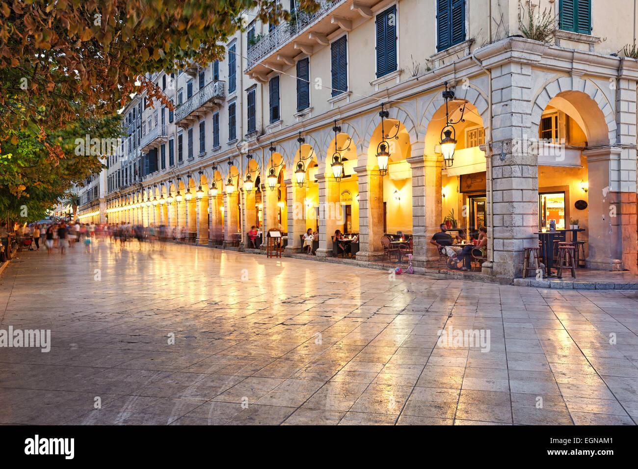 Liston Square nella città di Corfù, Grecia Immagini Stock
