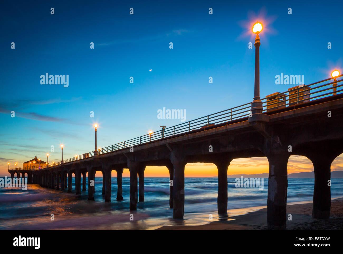 Il Porto di Manhattan è un molo situato a Manhattan Beach in California, sulla costa dell'Oceano Pacifico. Foto Stock