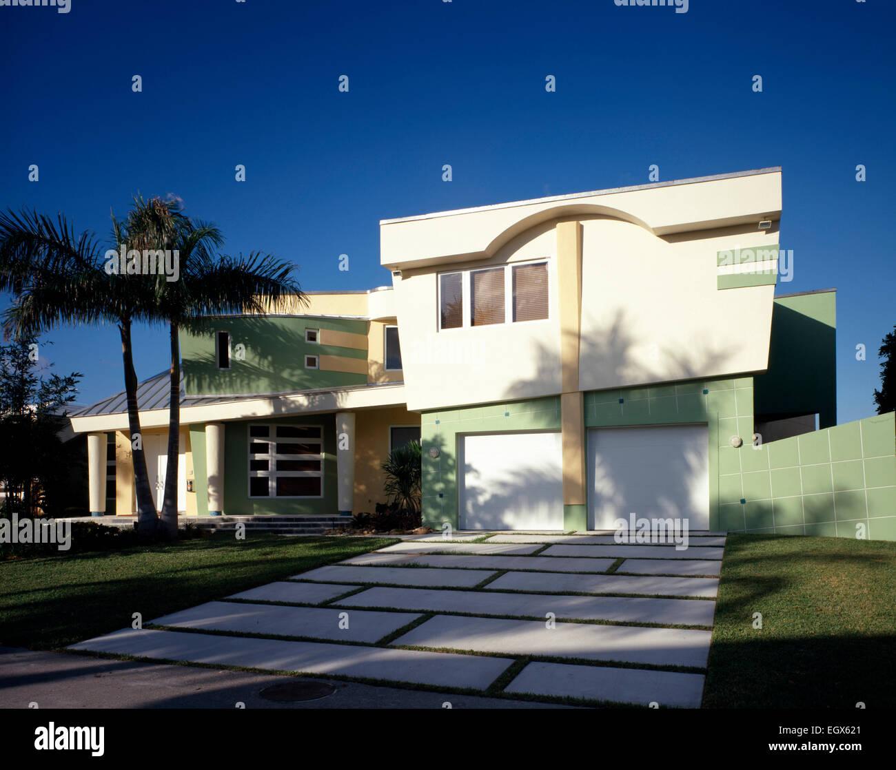 Esterno Del Moderno Di Colore Verde E Giallo Casa Foto Immagine