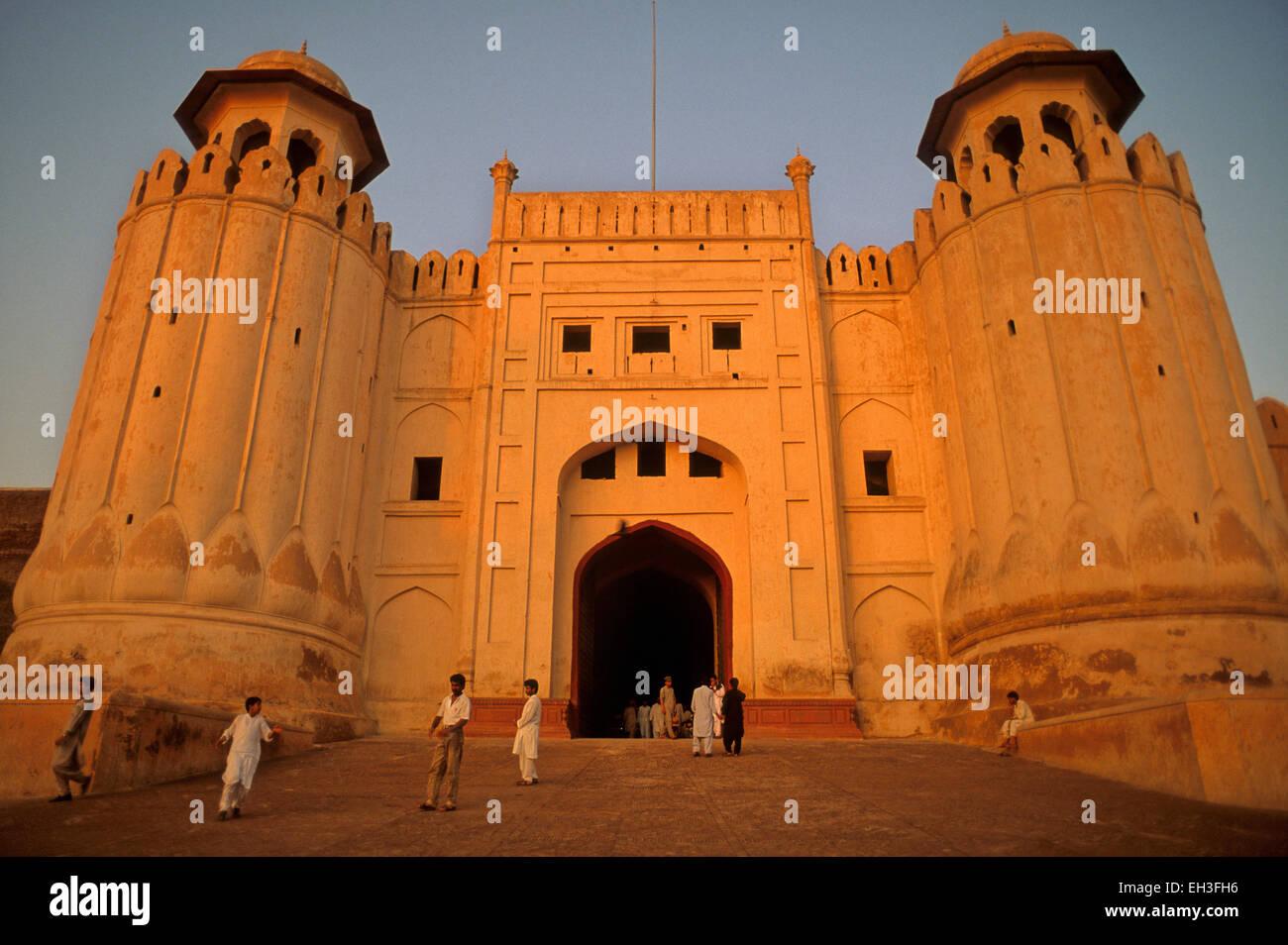 Alamgiri Gate di Lahore Fort, Lahore, Pakistan Foto Stock