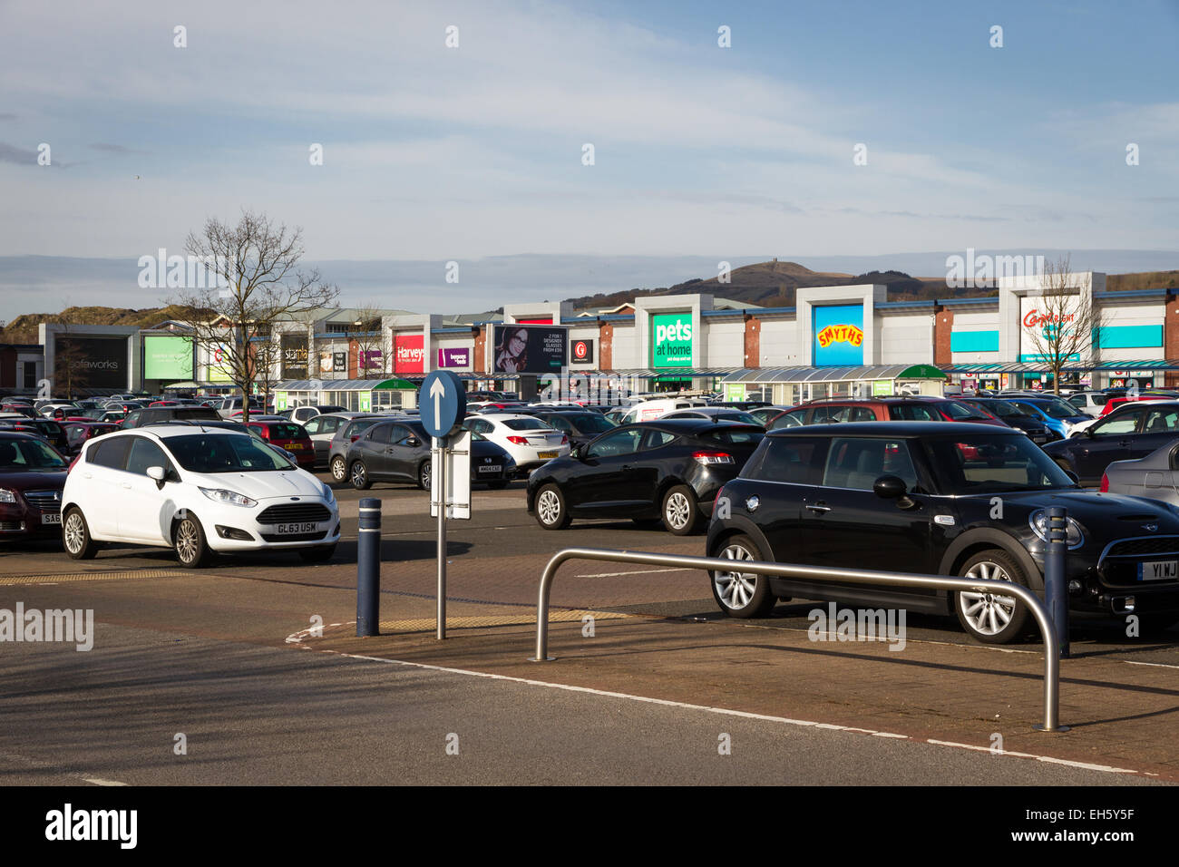 Occupato di un parcheggio a Middlebrook Retail Park, Horwich, Bolton Immagini Stock