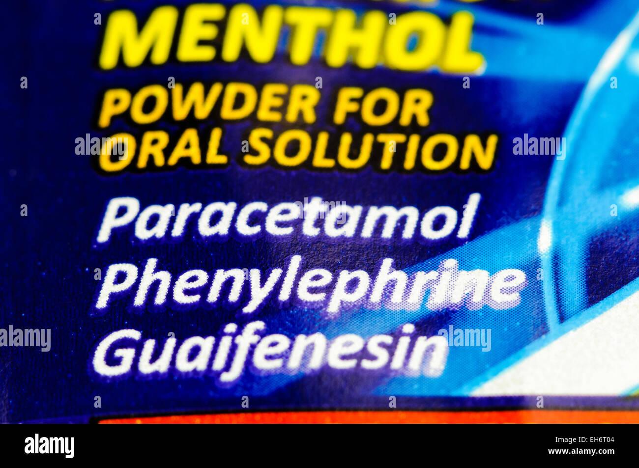 Beechams 'ultra' polveri per raffreddore e influenza rilievo, contenente paracetamolo, fenilefrina e la Immagini Stock