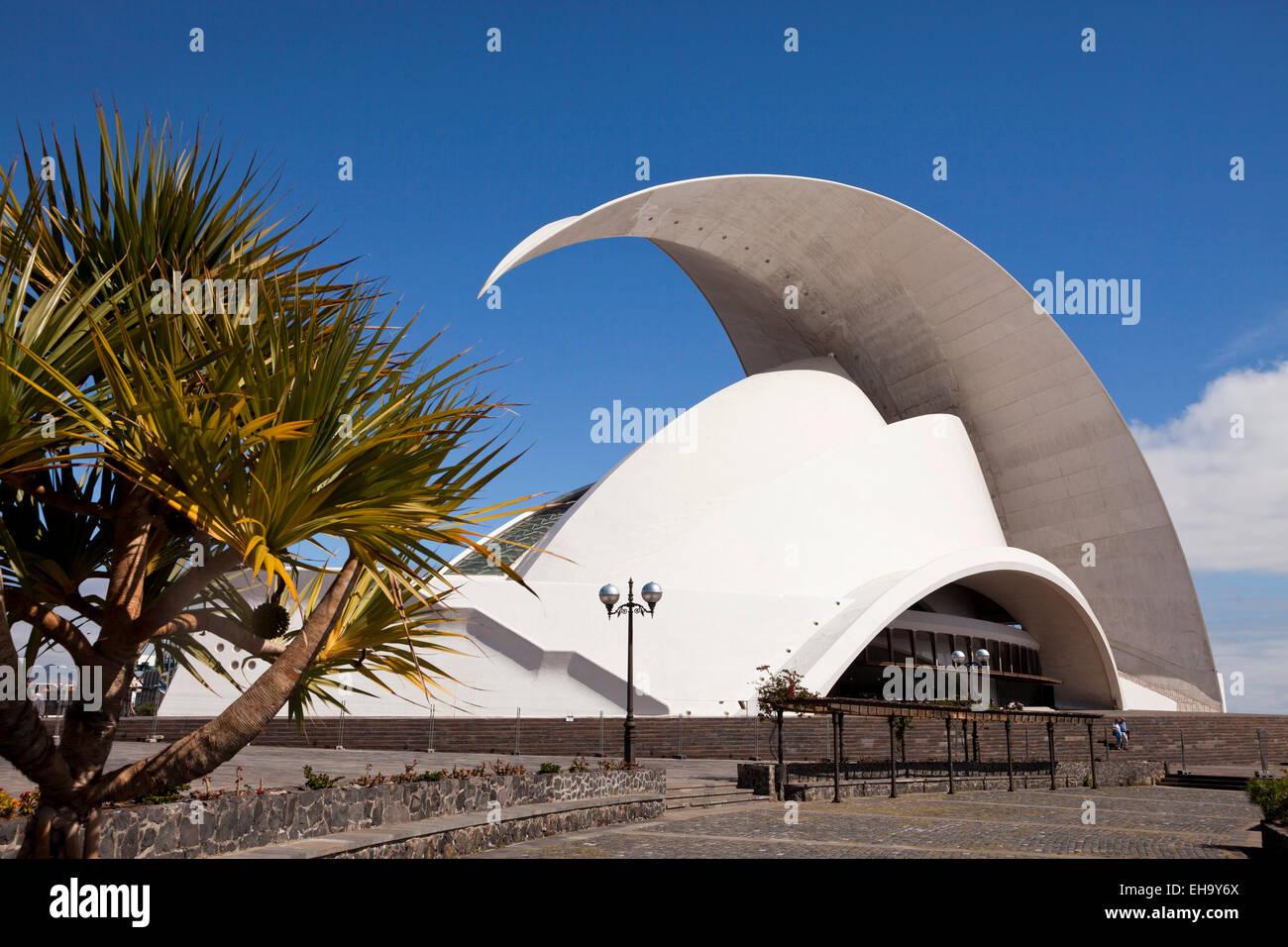 La moderna sala da concerto Auditorio de Tenerife dall'architetto Santiago Calatrava Valls in Santa Cruz de Immagini Stock