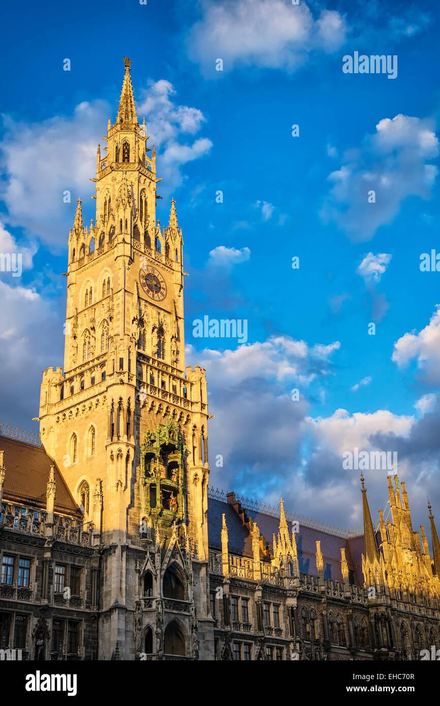 Municipio di Monaco di Baviera, al tramonto Immagini Stock