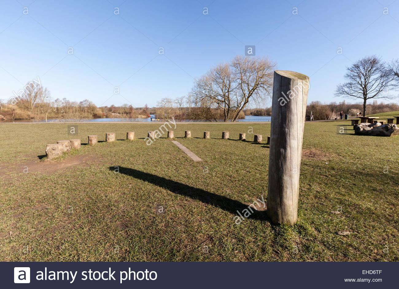 Meridiana o Meridiana umana in Ferry Meadows Country Park, noto anche come Nene Park, Peterborough, CAMBRIDGESHIRE, Immagini Stock