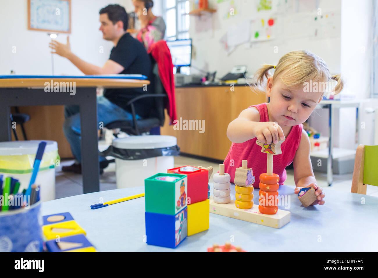 Materno e il benessere dei bambini, Charente, Francia. Immagini Stock