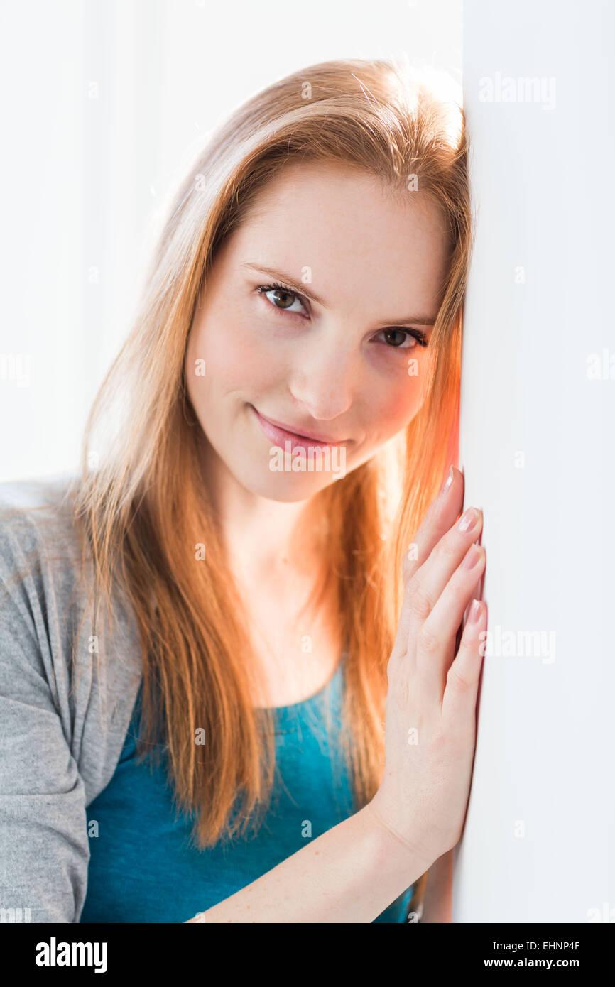 Ritratto di una giovane donna Immagini Stock