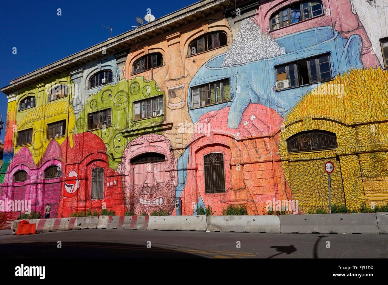 Roma. L'Italia. Arte di strada da blu sulla Via del Porto Fluviale, Ostiense. Immagini Stock
