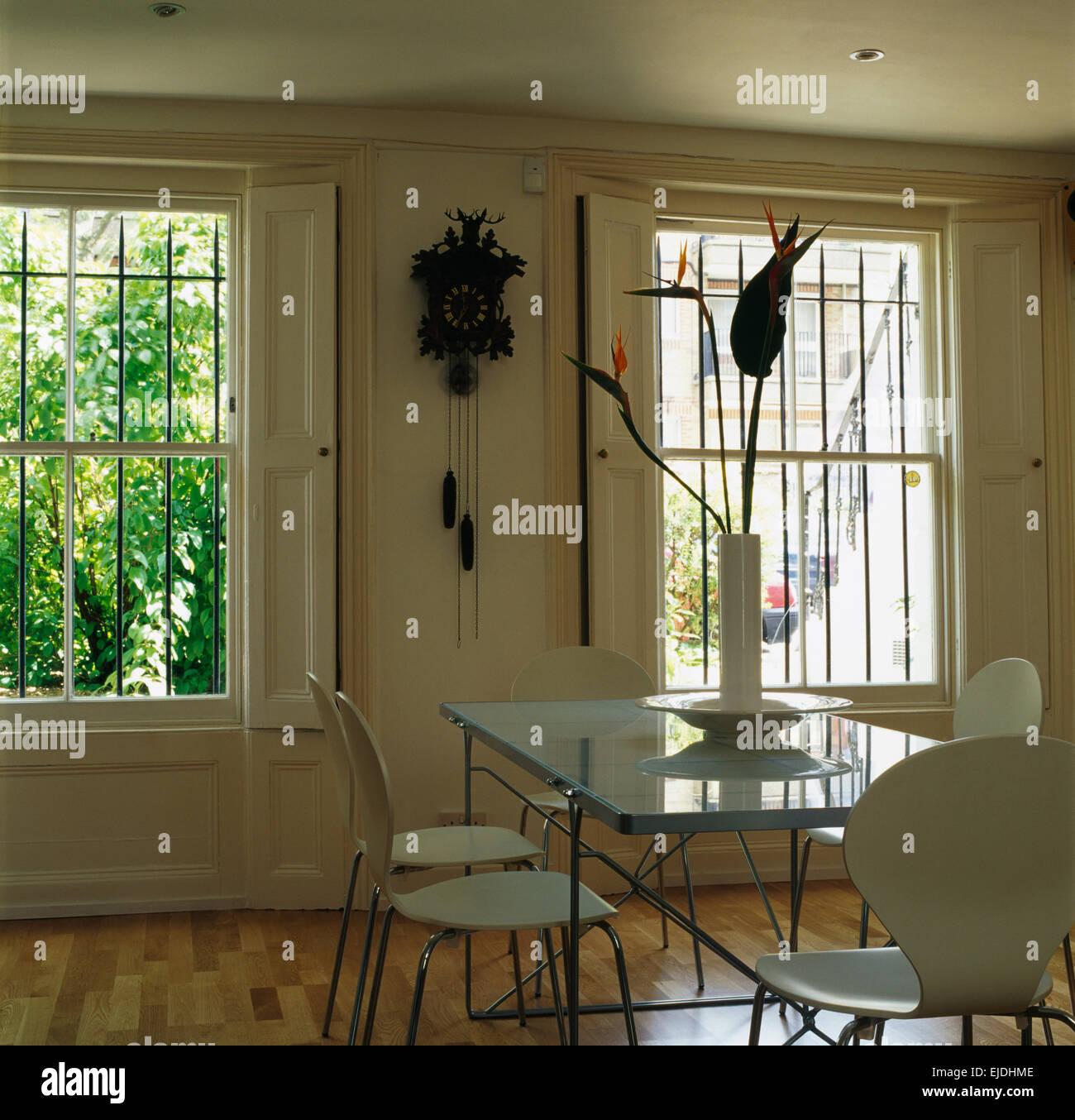 White arne jacobsen sedie di stile al ripiano in vetro for Sala pranzo vintage