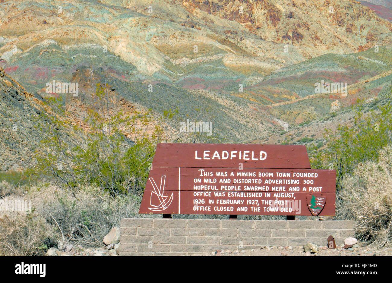 """Segno indicante la posizione di """"Denver"""" nel Parco Nazionale della Valle della Morte. Vedere la descrizione Immagini Stock"""