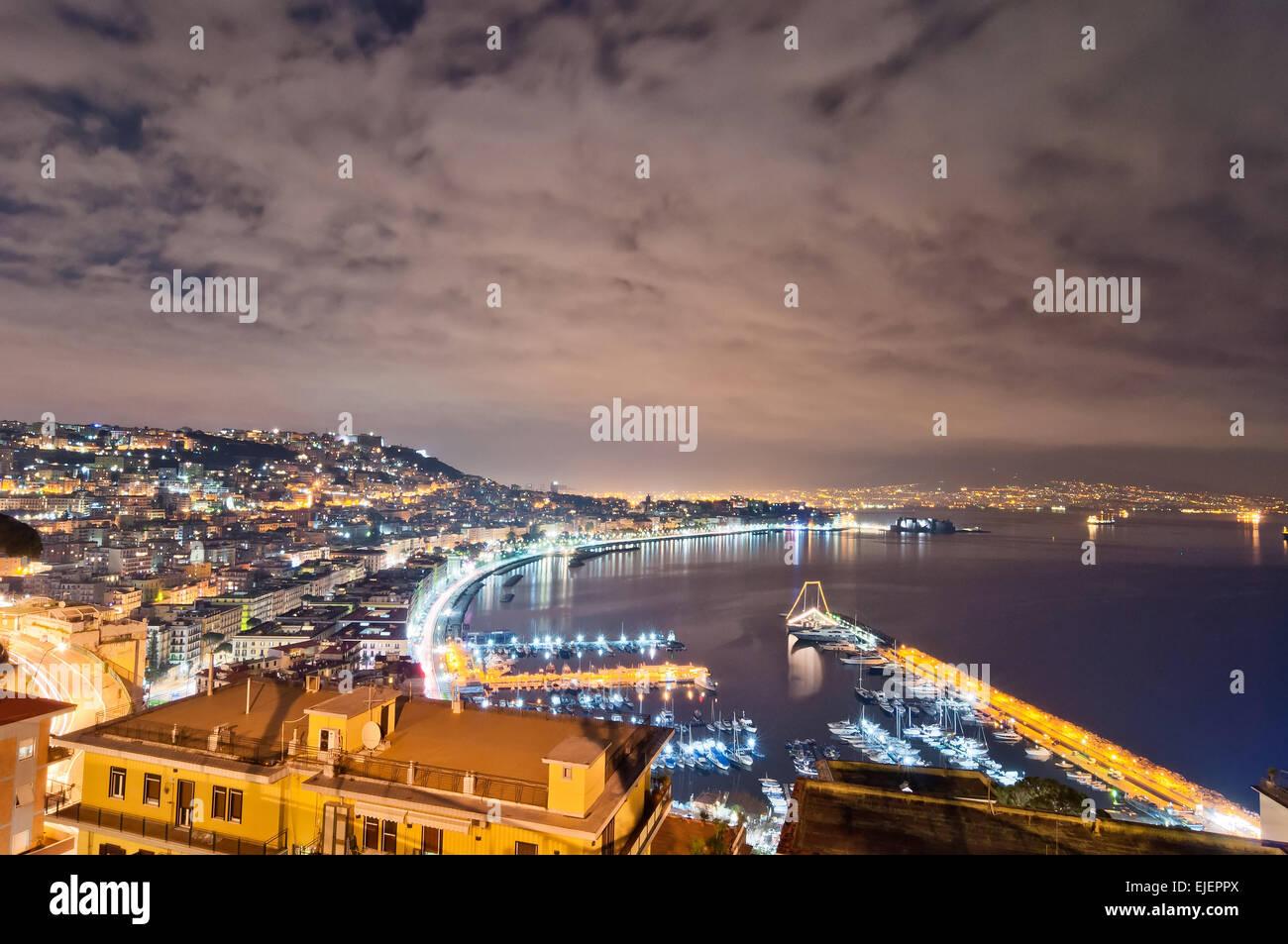 Napoli Di Notte Immagini E Fotos Stock Alamy