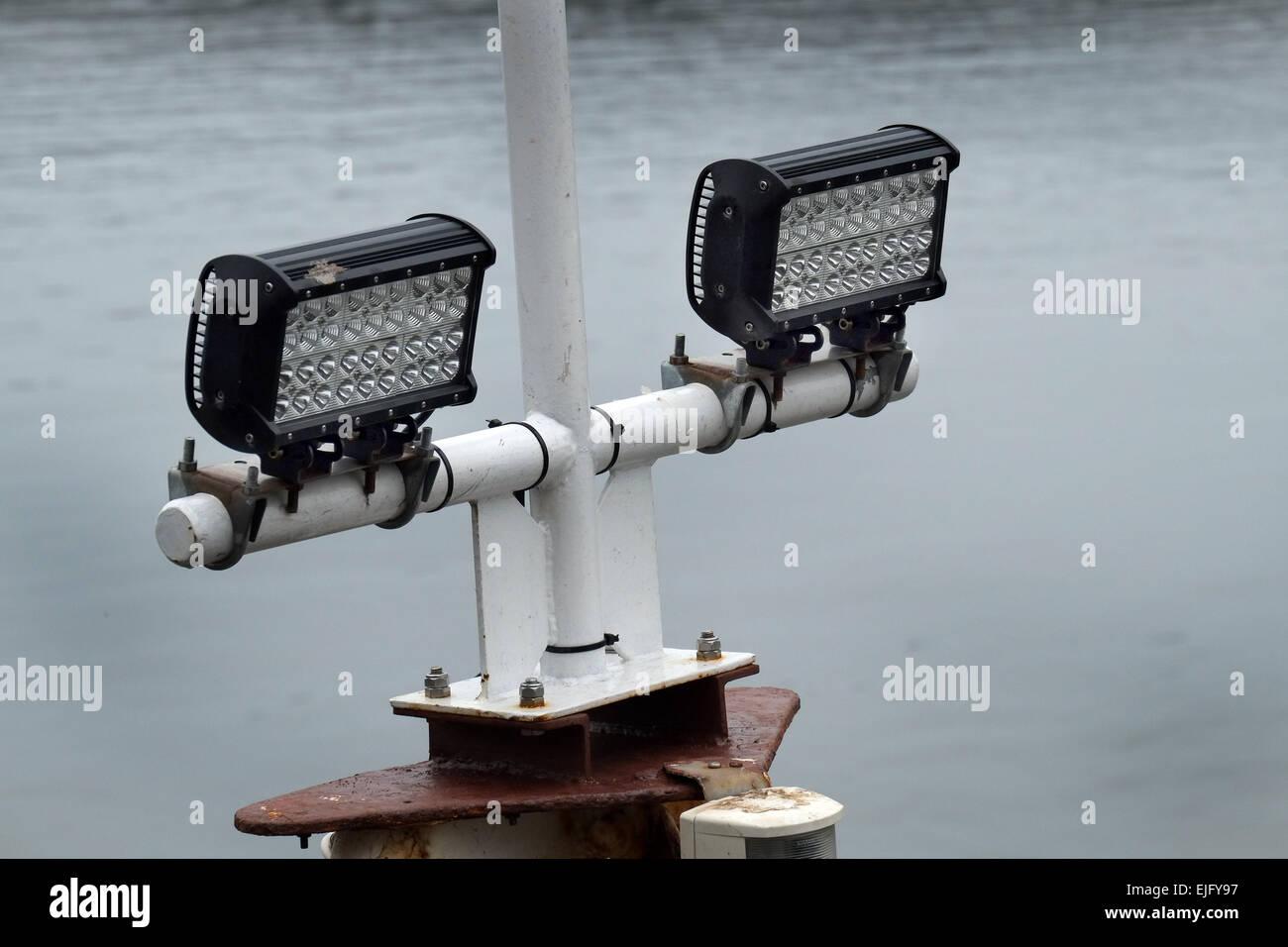 LED ad alta intensità luci in uso sulla nave. Immagini Stock