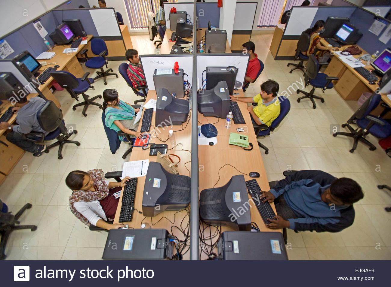 SLK servizi software company. Indian i Dipendenti di Call Center fornisce il supporto internazionale di Bengaluru Immagini Stock