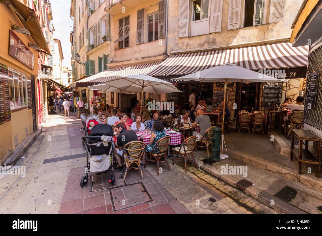 Francia - Cote d'Azur, Nizza, ristorante nella città vecchia Immagini Stock