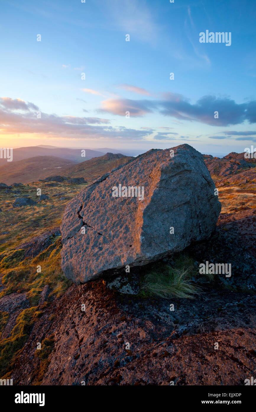 In autunno il tramonto sul Slieve Foye, Carlingford, nella contea di Louth, Irlanda. Immagini Stock
