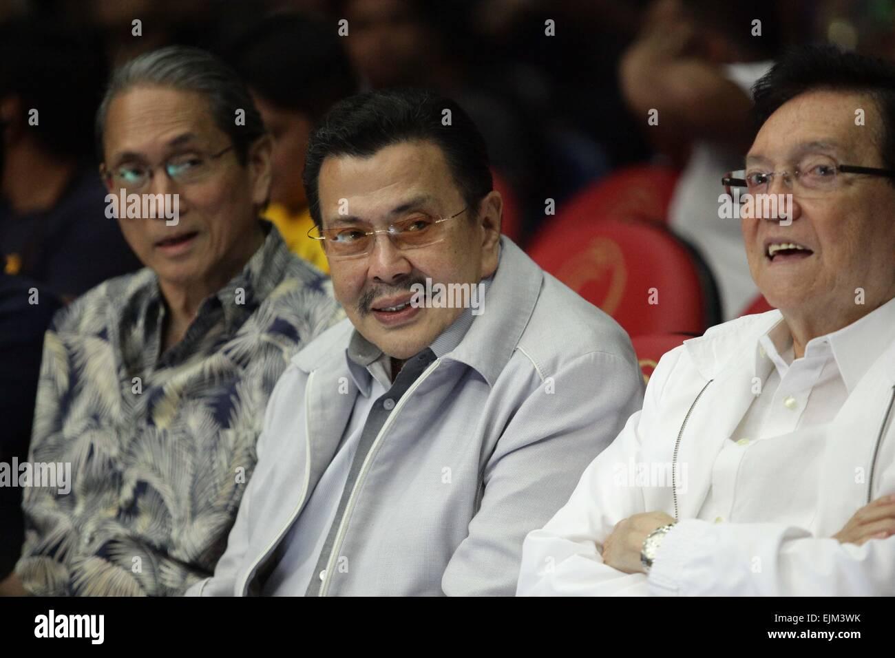 Manila, Filippine. 28 Mar, 2015. Manila Mayor Joseph Estrada (C) assiste il pugilato evento all'ARANETA COLISEUM Immagini Stock
