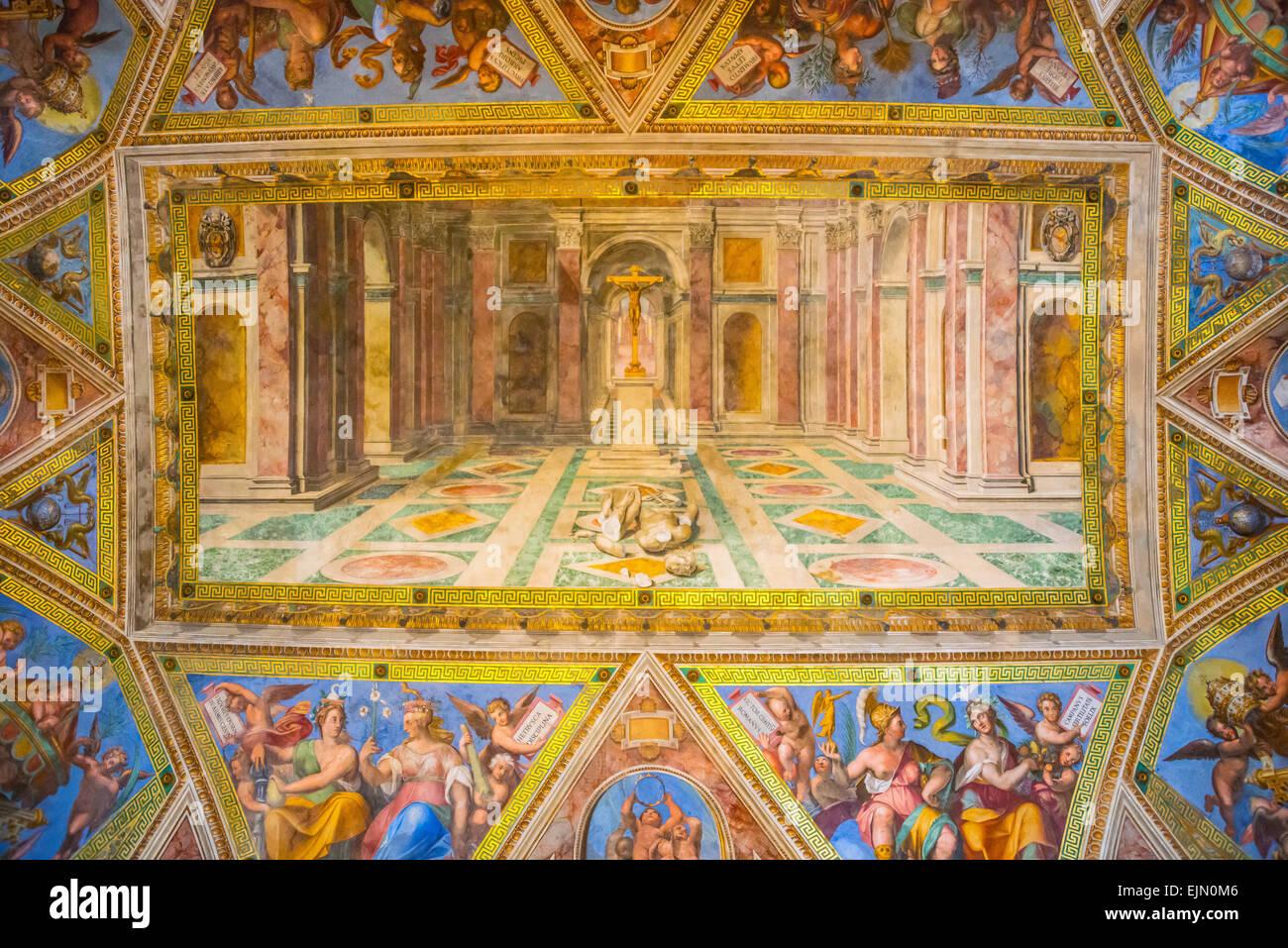 Il Trionfo del Cristianesimo sul paganesimo da Tommaso Laureti, soffitto affrescato, Sala di Costantino, Musei Vaticani, Immagini Stock
