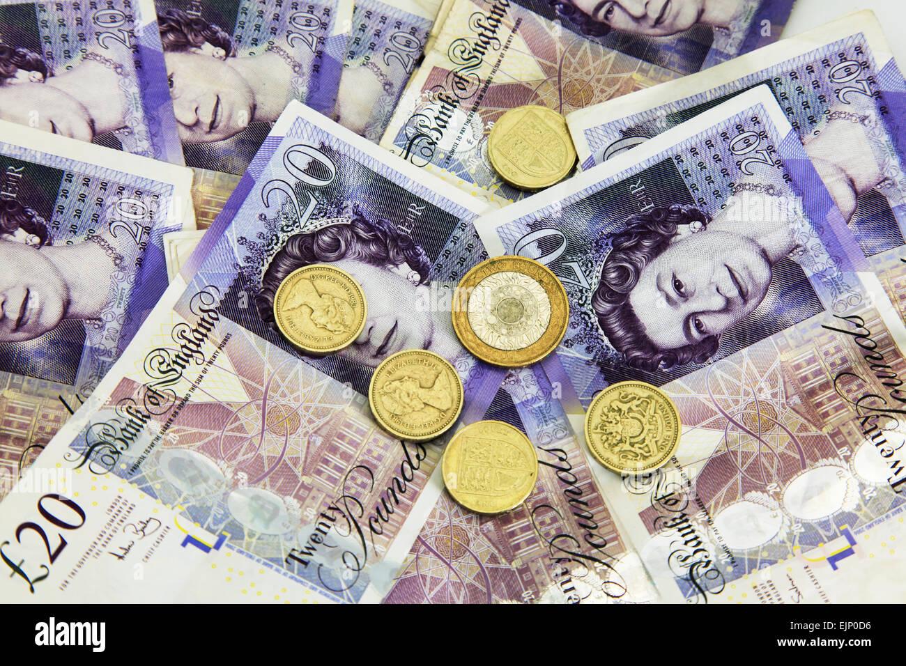Denaro banconote del regno unito i fondi di cassa del debito di denaro fallito fallimento monete valuta intaglio Immagini Stock