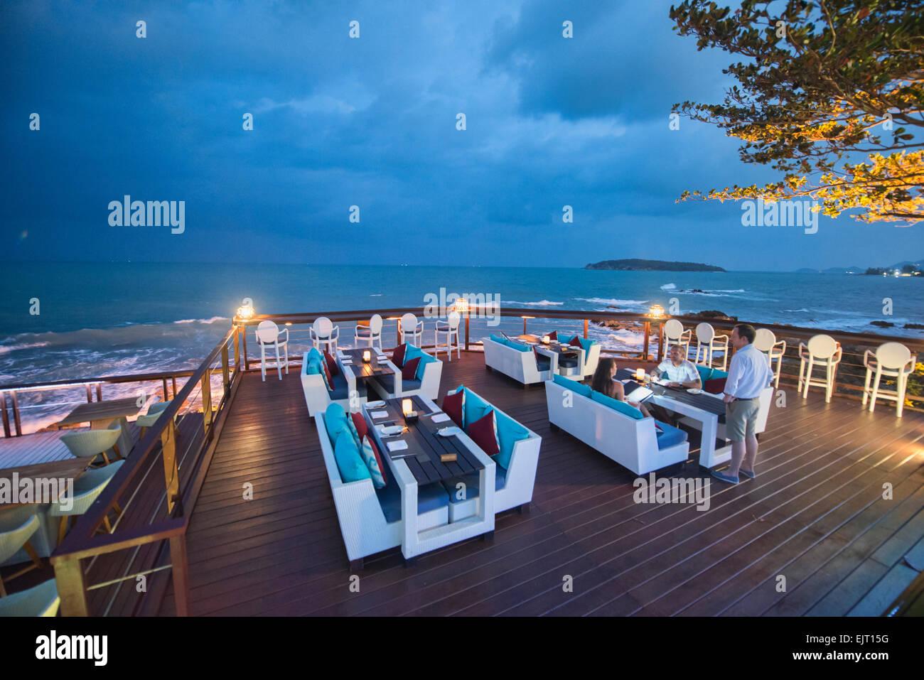 Romantico ristorante sul mare, Koh Samui, Thailandia Immagini Stock