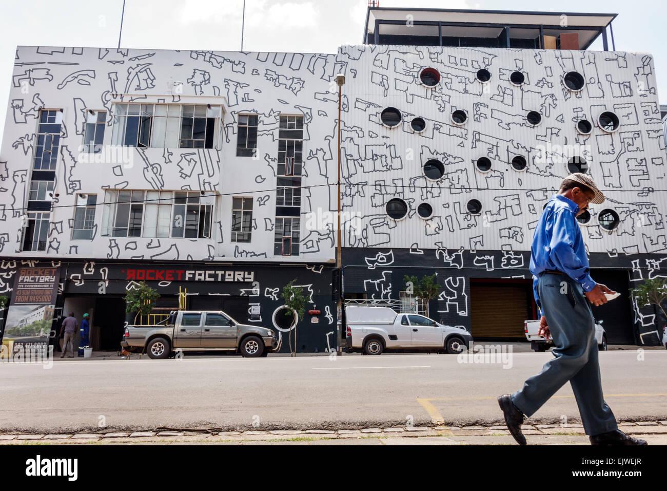 Johannesburg Sudafrica Africa quartiere Maboneng Commissario arti di strada su gentrified principale quartiere urbano Immagini Stock